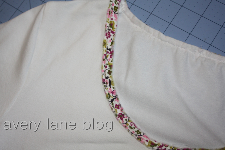 Avery Lane Blog sewing t-shirt neckline tutorials