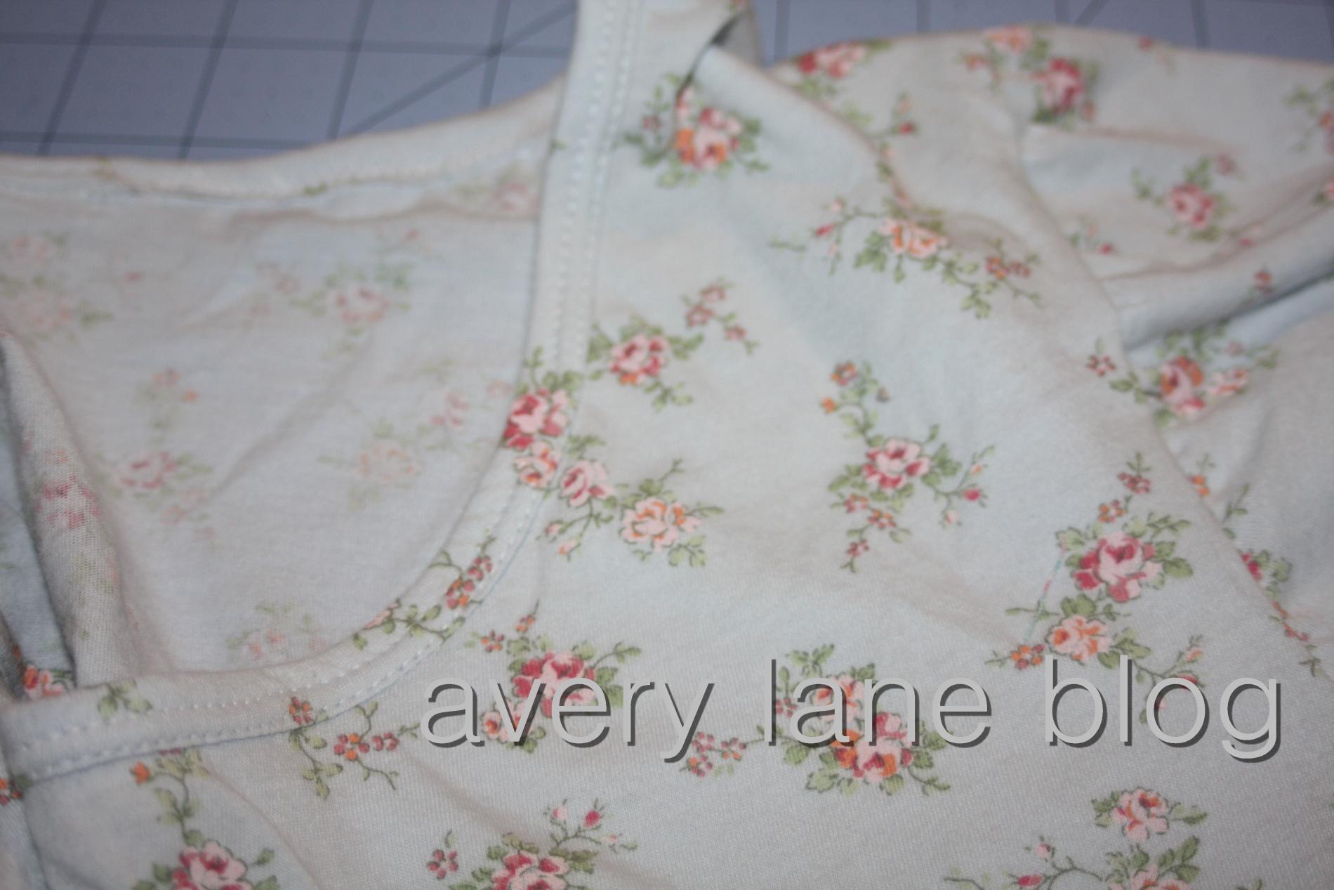 Avery Lane Blog t-shirt neckline tutorials