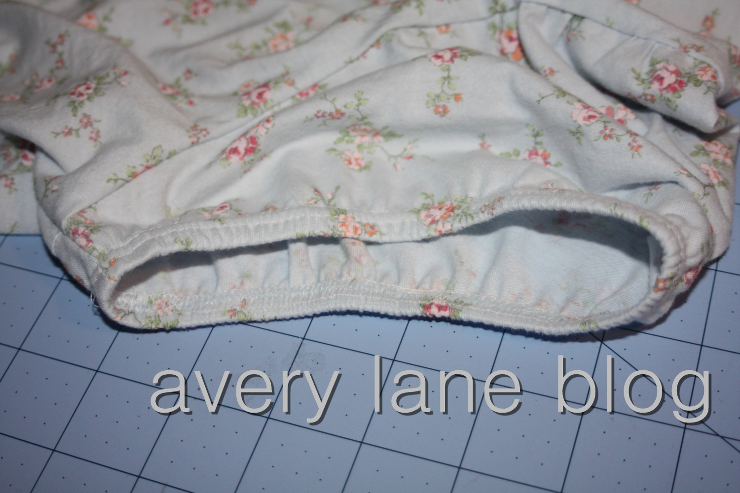 Avery Lane Blog sewing tutorial puffy sleeve tee